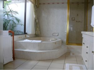 luxury sea view honeymoon room Jacuzzi bath